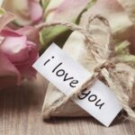 Tips for a Good Relationship A love note with a gift for your lover